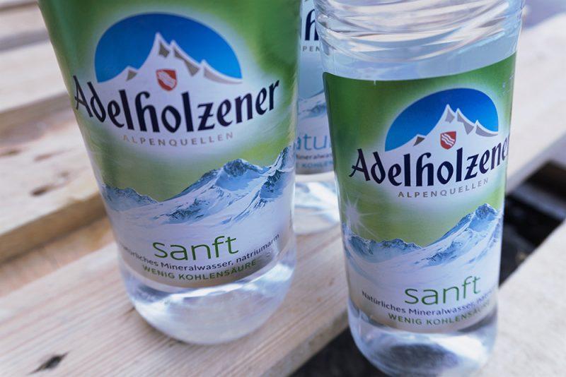 Bruederlein Getraenke | Adelholzener Wasser